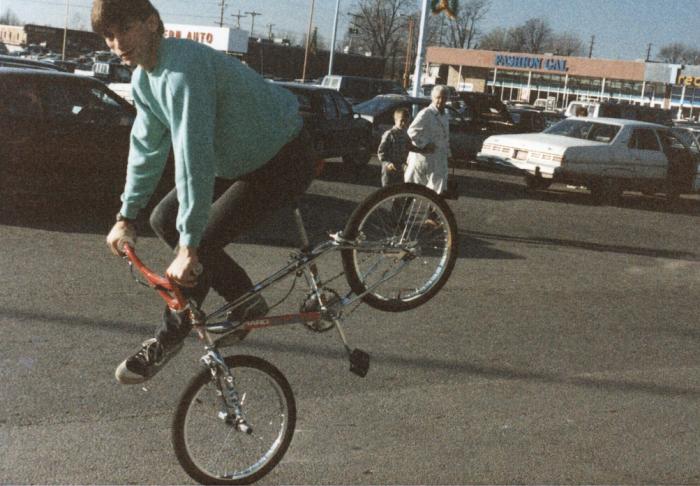 1980s-bmx-freestyle-trick-rick-moliterno