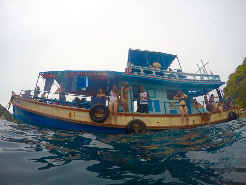 small boat1.jpg