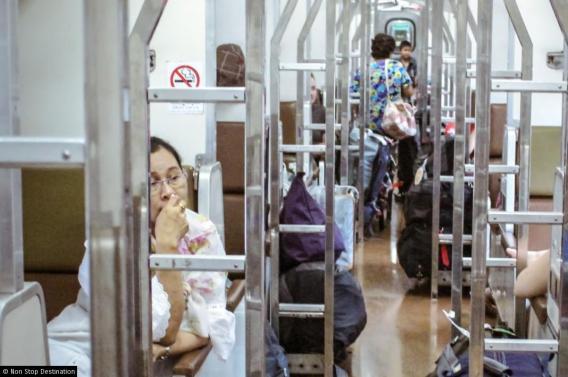 thai-sleeper-train-1068x710