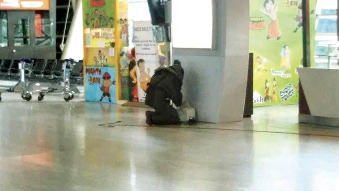 Airport-bomb